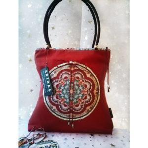 Piros mandalás táska