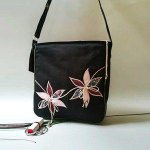 Sportos virágrátétes táska
