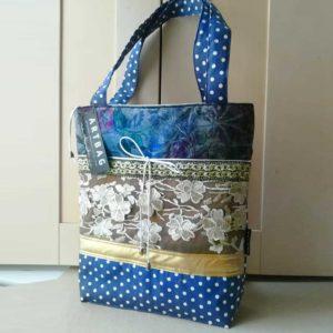Csipkés-pöttyös táska