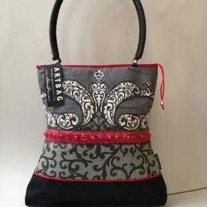Különleges ,nyomott mintával díszített női táska /classic bag with unique patterns