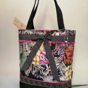 Különleges nyomással készült női táska pöttyös megkötővel / shoulder bag with unique floral print